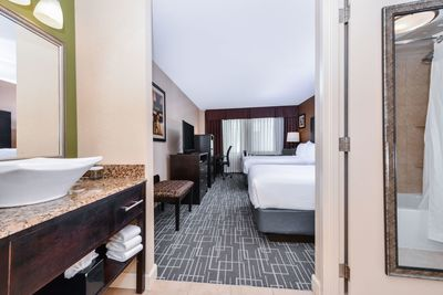Double Guest room at Holiday Inn Center City Charlotte, NC